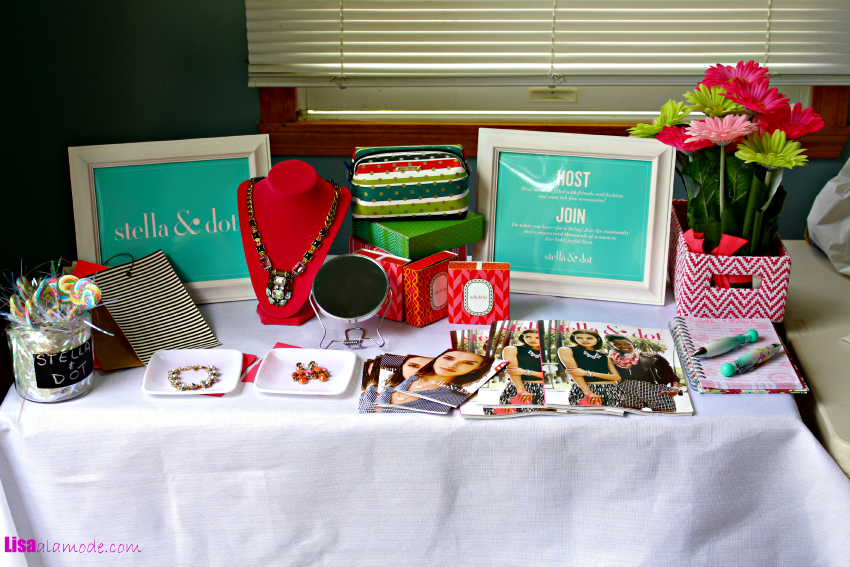 stella-dot-trunk-show-table