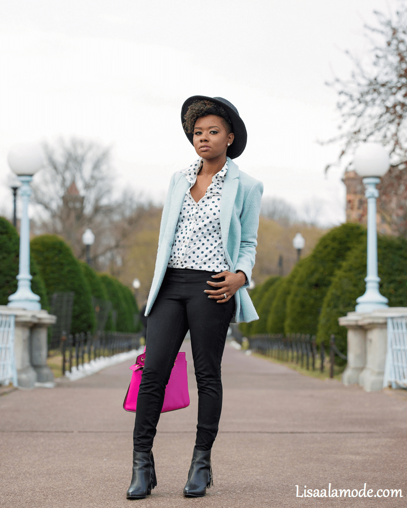what-to-wear-with-a-light-blue-jacket4