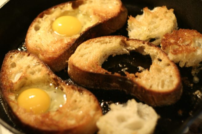 egg in the bread 4