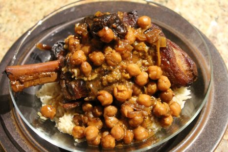 Lamb shanks with chickpeas