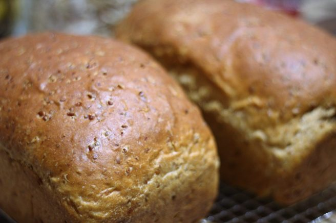 Cracked wheat onion bread