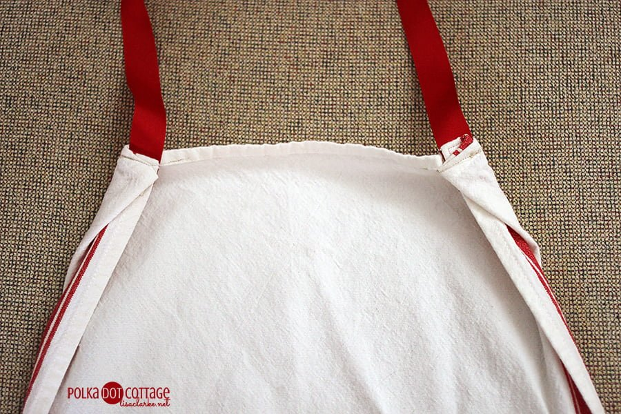 Tea Towel Apron Adjustments, at Polka Dot Cottage