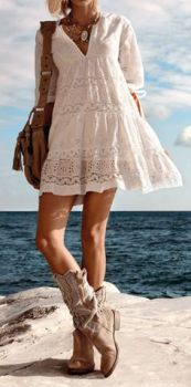 Beachy Boots (photo from fashionblogit)