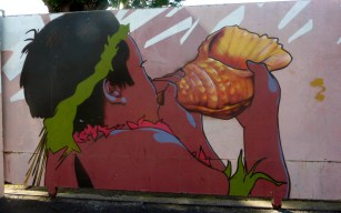 Wall In Papeete (5)