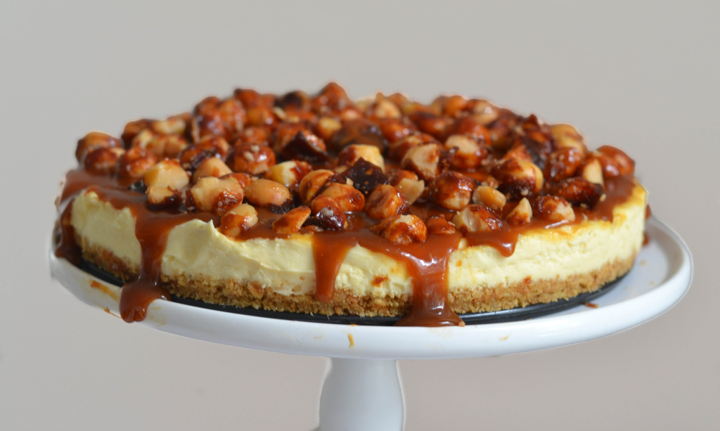 Caramel & Roasted Macadamia Cheesecake