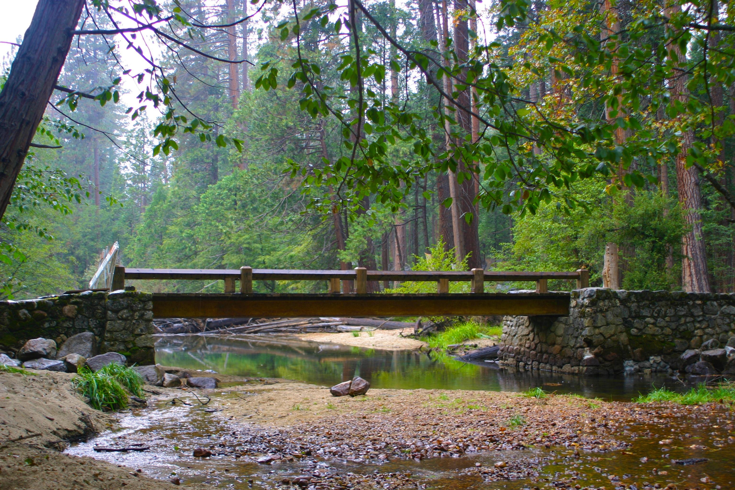 Facebook Wallpaper Fall Colors The Bridges Of Yosemite County Yosemite In The Fall
