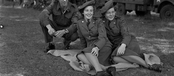 WW2 women in uniform