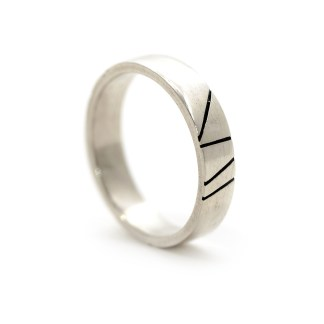 Ethical eco friendly silver ring | Lisa Rothwell-Young