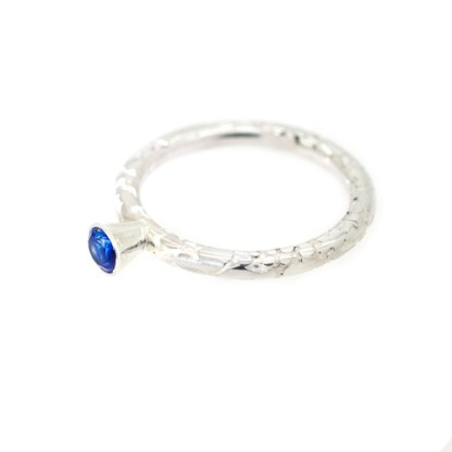 Sustainable Engagement Ring - Lichen Texture Sapphire Flat | Lisa Rothwell-Young