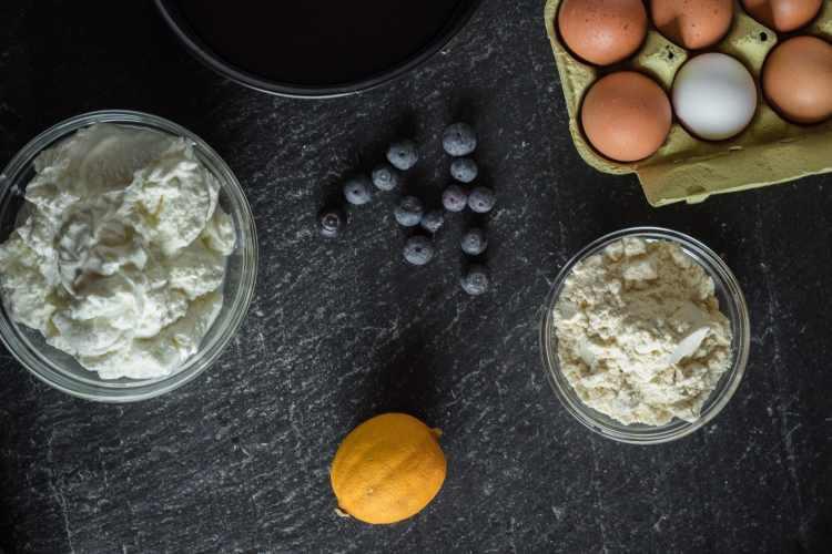 Zutaten für einen gesunde Käsekuchen Blueberry Cheesecake