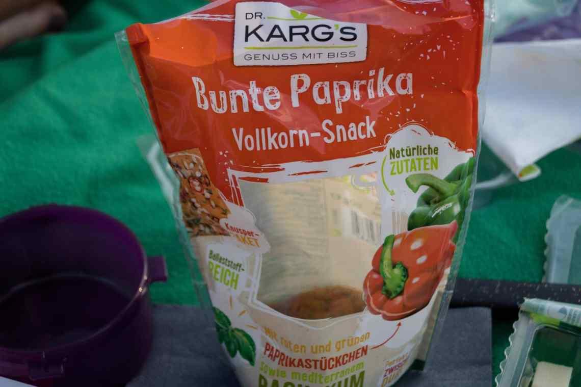 Dr. Karg's Bunte Paprika Vollkorn-Snack Mischung ist ideal für ein Picknick.