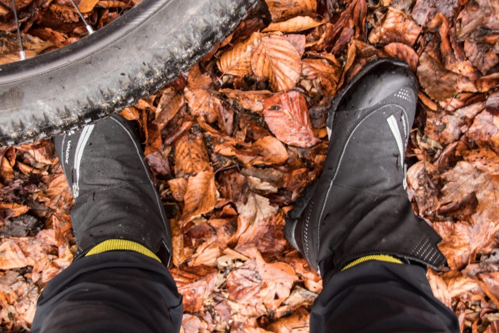 Tipps gegen kalte Füße beim Radfahren im Winter: Fahrrad Winterschuhe