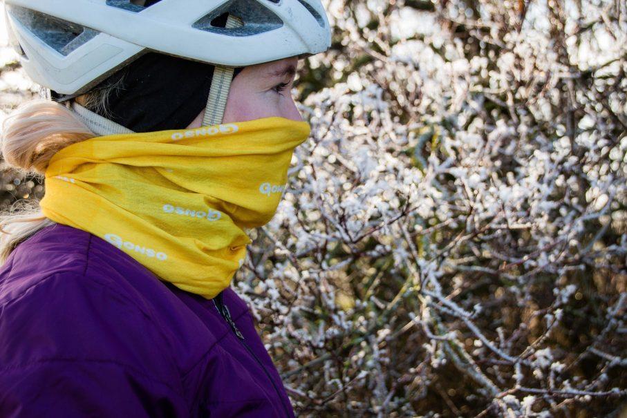 Die richtige Kopfbedeckung für den Winter beim Radfahren - Stirnband, Schlauchtuch und Halstusch.