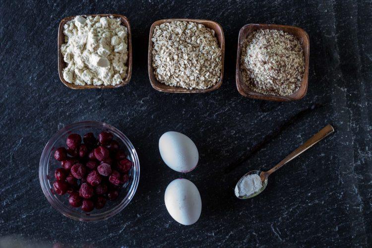Zutaten für einen gesunden Kirschkuchen ohne Zucker