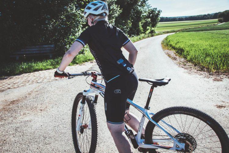 Sitzschmerzen beim Radfahren verhindern mit dem richtigen Sattel.