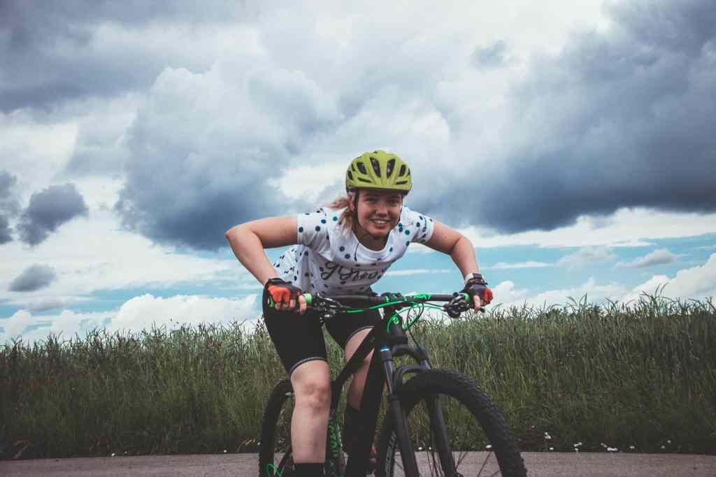 Fahrrad richtig einstellen und schmerzfrei Radfahren. So vermeidest du schmerzen beim Radfahren - Bremshebel richtig einstellen.