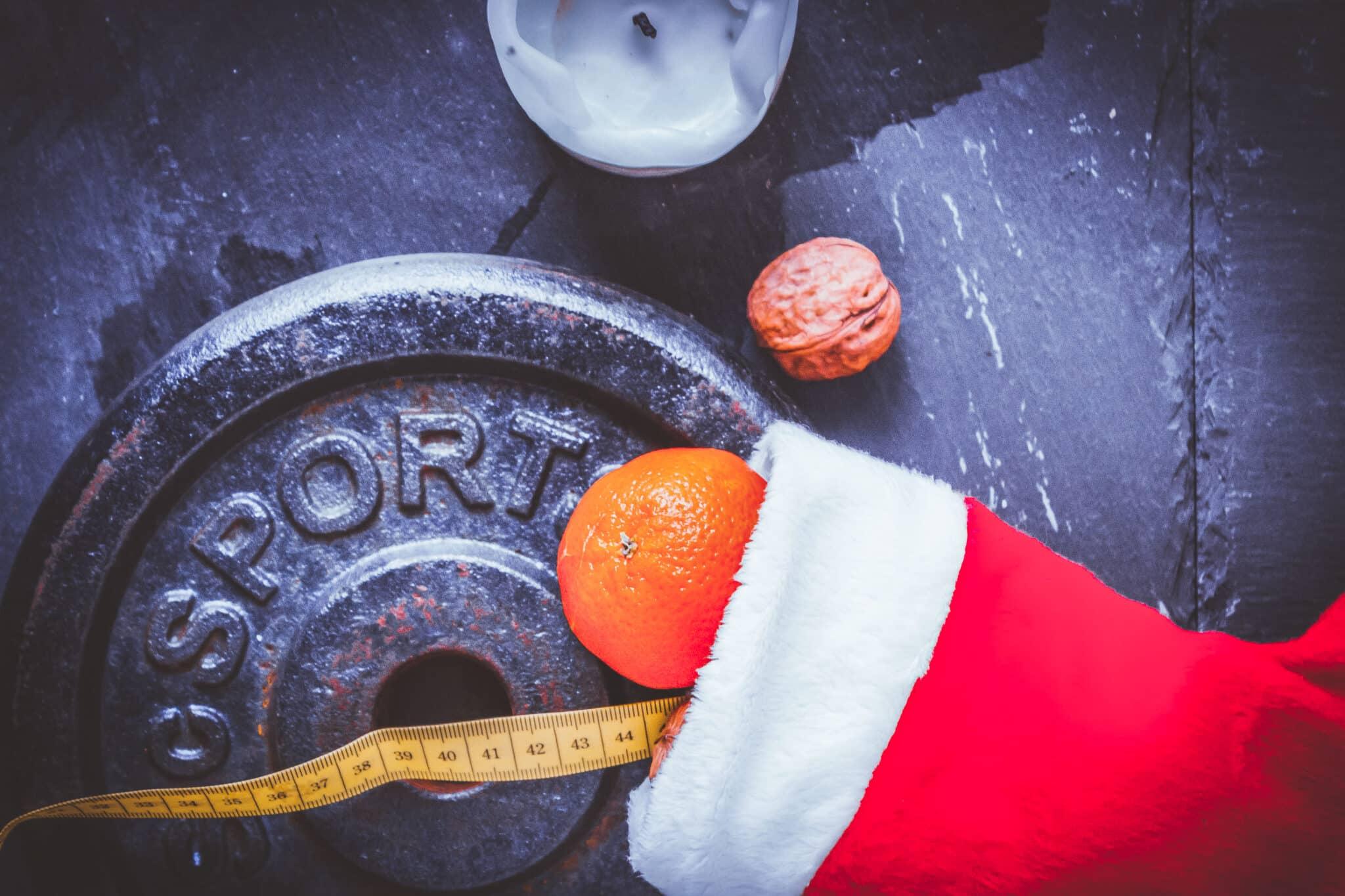 Abnehmen an Weihnachten - mit diesen Tipps kannst du an den Feiertagen Gewicht verlieren.