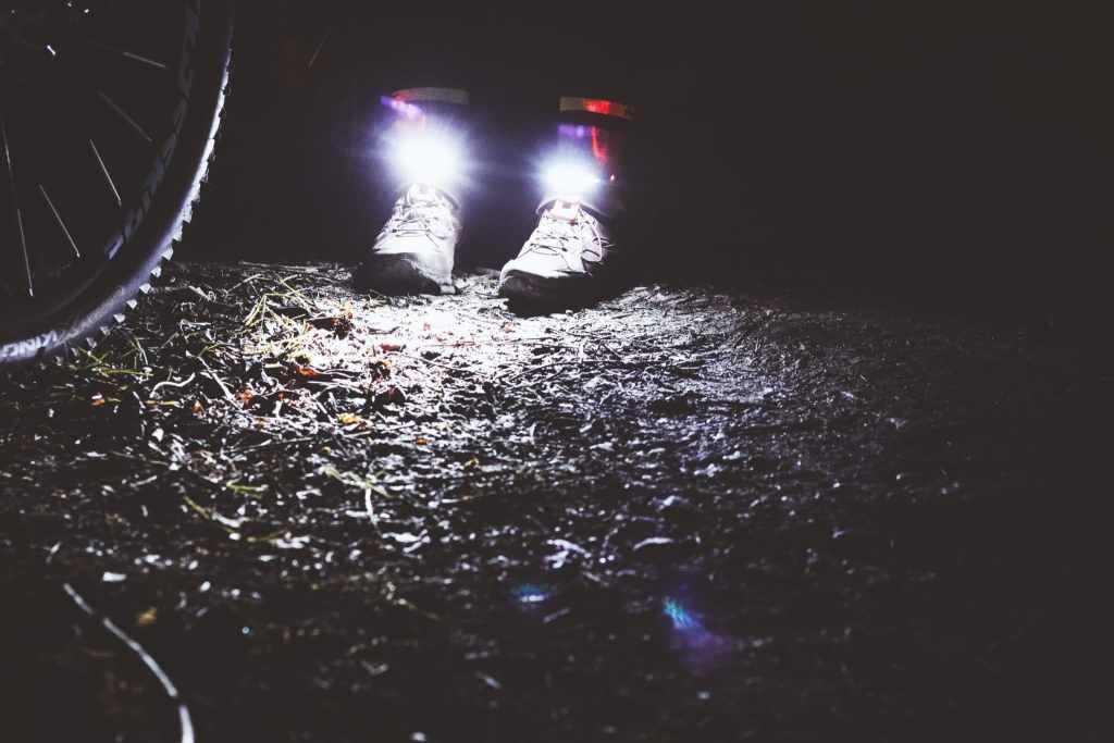 Schuhlichter von Night Tech Gear Germany - Erfahrungen für Radfahrer und Läufer sicher durch die Dunkelheit.