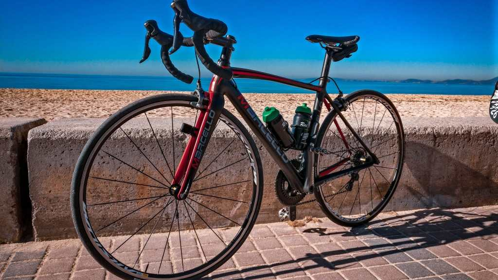 Leihrad Carbon Rennrad von Marcello fürs Trainingslager auf Mallorca von RaiKo. Rennradfahren auf Mallorca.