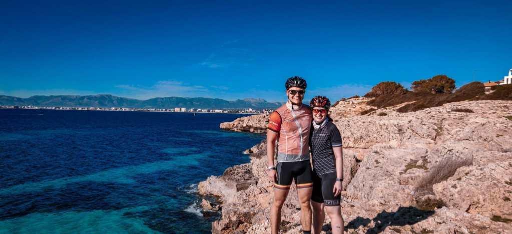Pärchen Urlaub auf Mallorca - Rennradfahren und Trainingslager