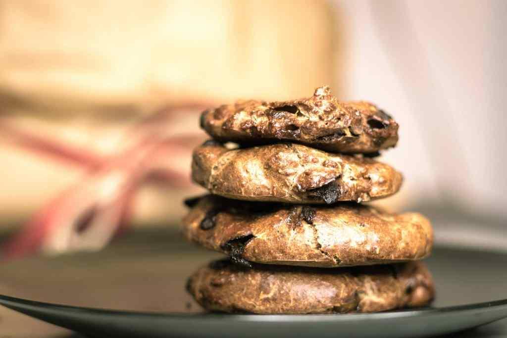 Fitness Rezept für gesunde Proteinkekse ohne Zucker. Knusprig, weich und lecker. Mit Haferflocken und Proteinpulver.