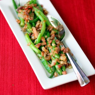 Green Beans with Pancetta and Onion