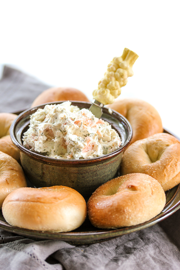 This smoked salmon bagel spread takes just minutes to prepare and it's bursting with delicious flavors. It's perfect for a brunch or as an appetizer. | lisasdinnertimedish.com