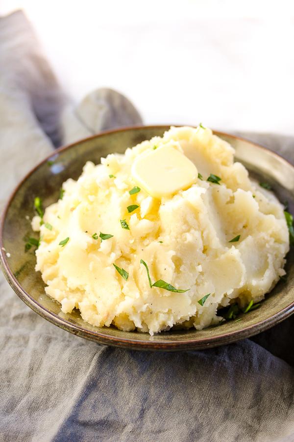 Ultimate Roasted Garlic Mashed Potatoes