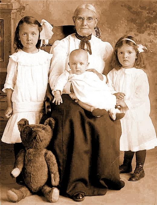 Oregon family c.1900 with prized family teddy bear