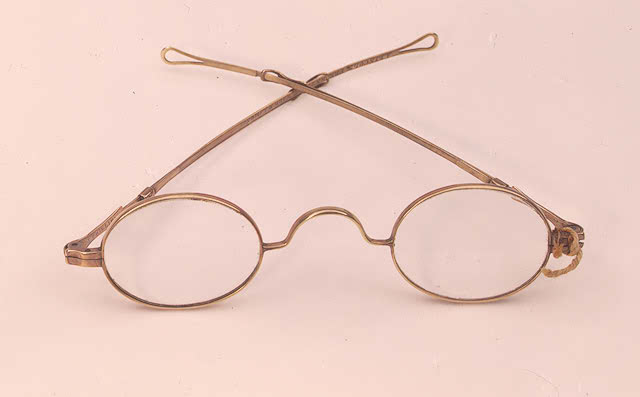 Abraham Lincoln's reading glasses