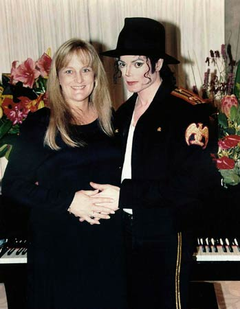 Debbie Rowe and Michael Jackson wedding photo, 1996