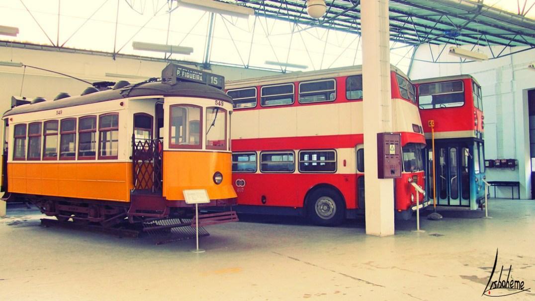 anciens bus musée carris
