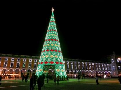 Le grand sapin de Noël du Terreiro do Paço, lumières de Noël de Lisbonne 2018