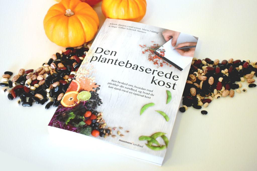 """Boganmeldelse – """"Den plantebaserede kost"""" af Tobias Schmidt Hansen & Maria Felding"""