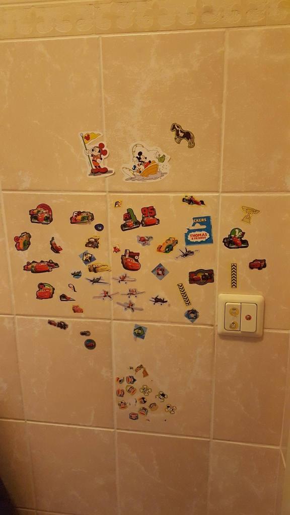 Om een peuter zindelijk te maken kun je een beloningssysteem met stickers gebruiken Lisette Schrijft