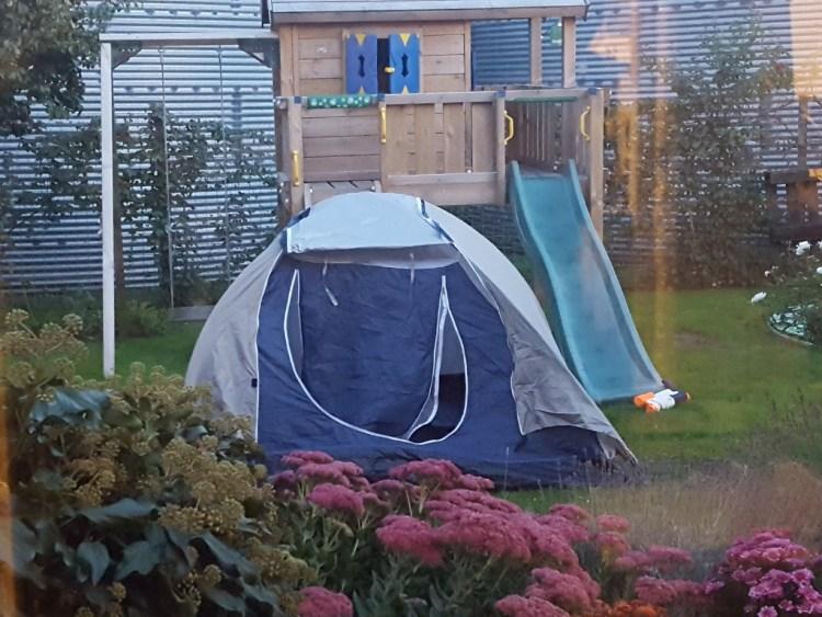 kamperen in de achtertuin Lisette Schrijft