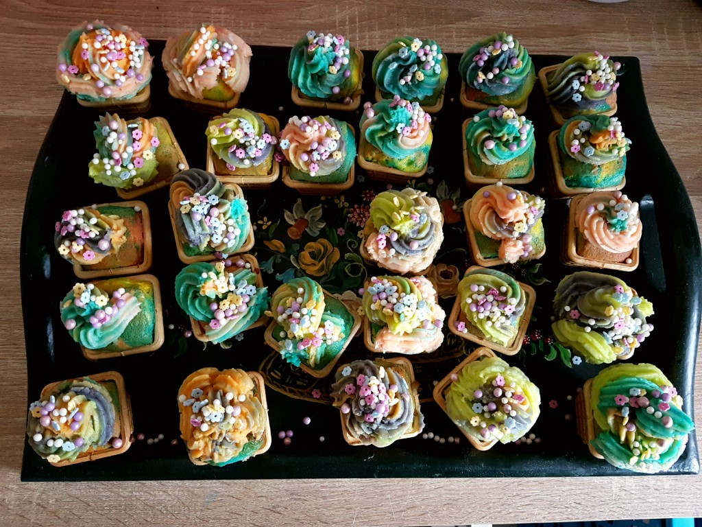 unicorn cupcakes als traktatie voor een meisje Lisette Schrijft