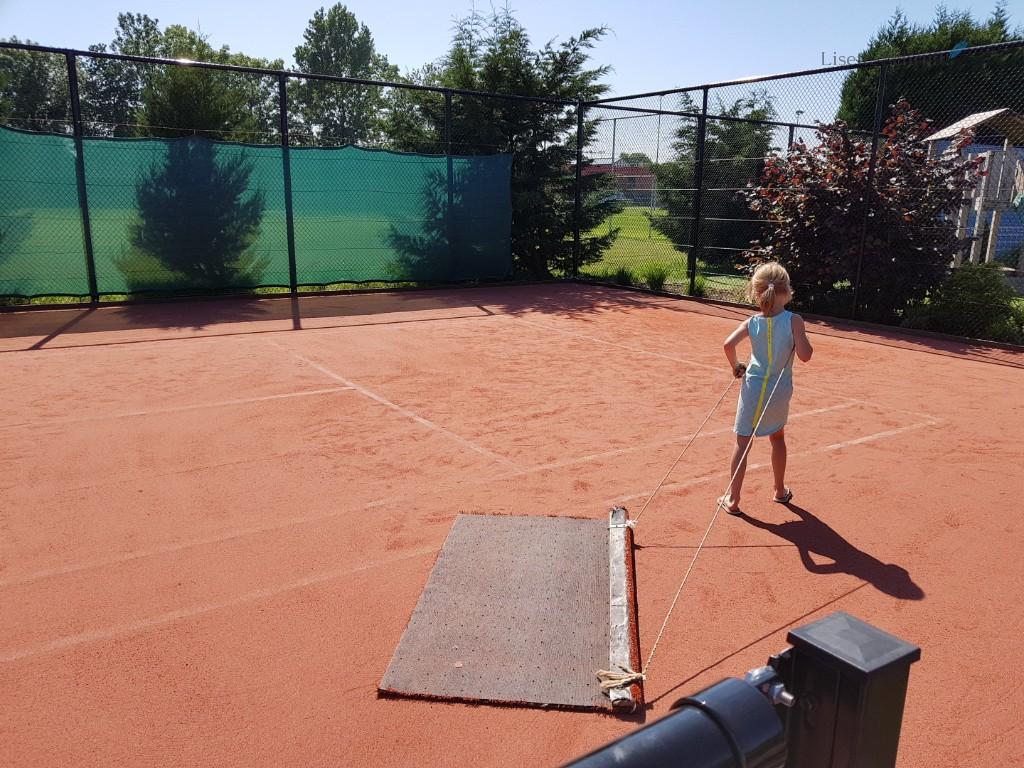 de baan cleanen bij tennis lisette schrijft