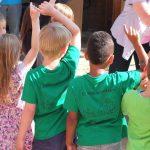Kinderen naar de BSO in de zomervakantie: zielig of niet?