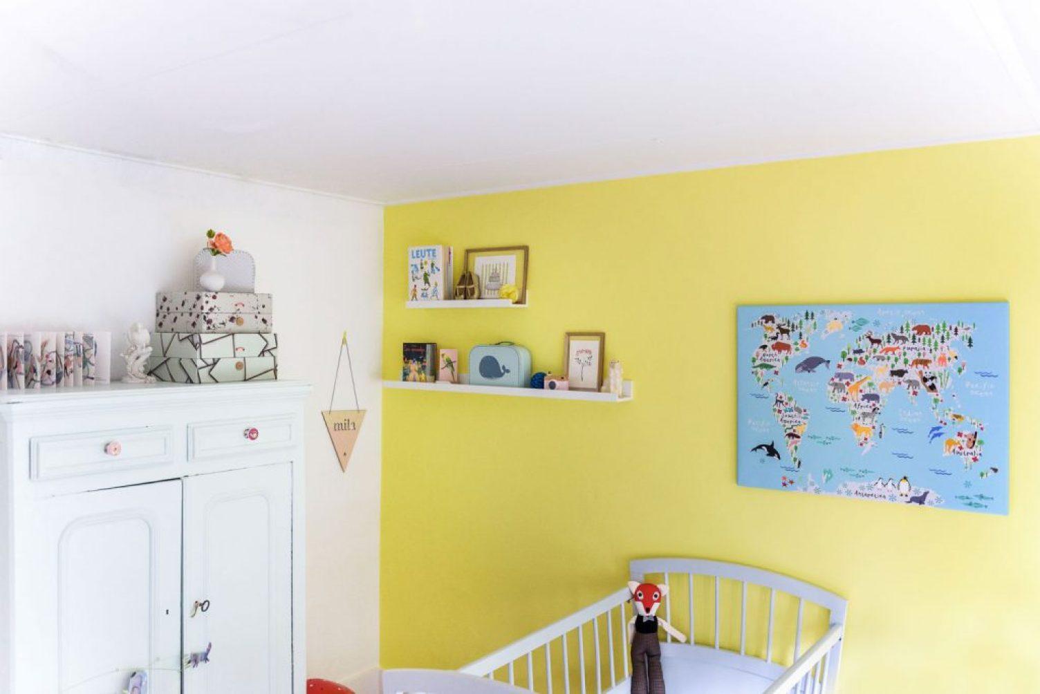 leuke wereldkaart voor aan de muur van de babykamer lisette schrijft