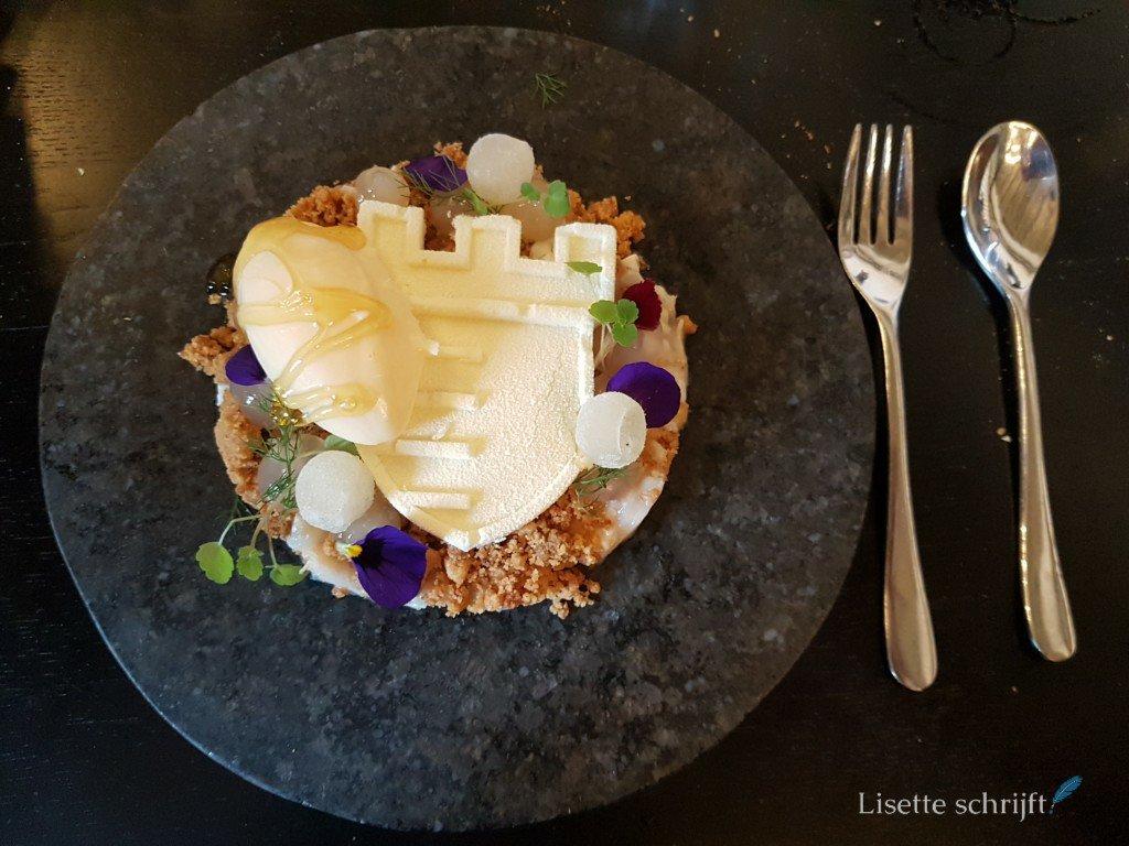 dessert van geitenkaas met limoenbolletjes bij restaurant Bentinck