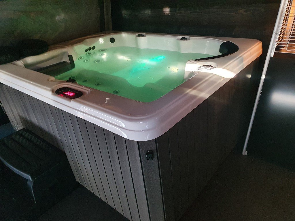 Privé sauna reserveren met jacuzzi