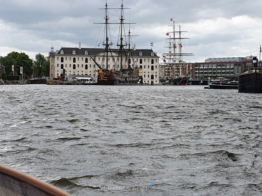 met de blogboot langs het scheepvaartmuseum