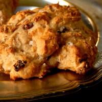 Grove scones med havre og yoghurt til frokokst