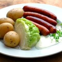 Når det enkleste er det beste - Nykål med poteter og kjøttrike pølser