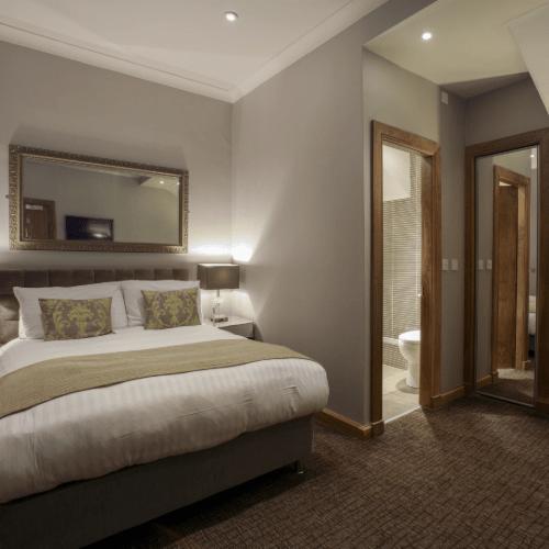 Angels Hotel in Uddingston - Dinner, Bed & Breakfast for £69