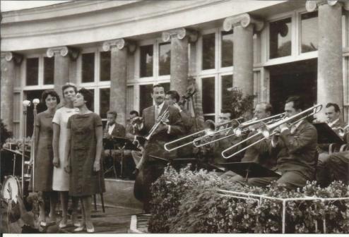 Big band Stanka Selaka u kolovozu 1959. godine u Beču. (M. Fuchs je u sredini linije trombona)