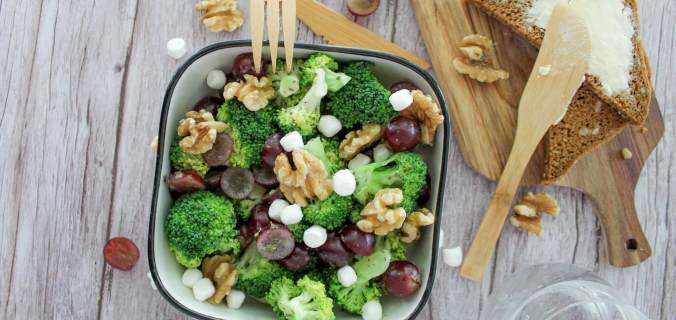 Broccoli druiven salade