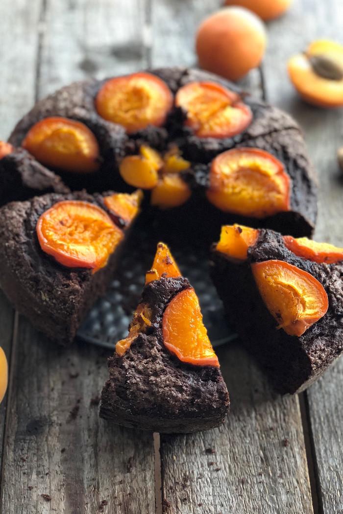 Schokoladenkuchen mit Aprikosen / ohne Butter & Öl