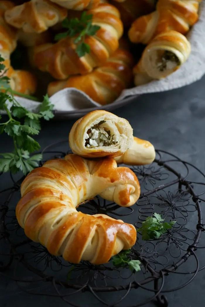 Türkische Teigtaschen mit Fetakäse Füllung